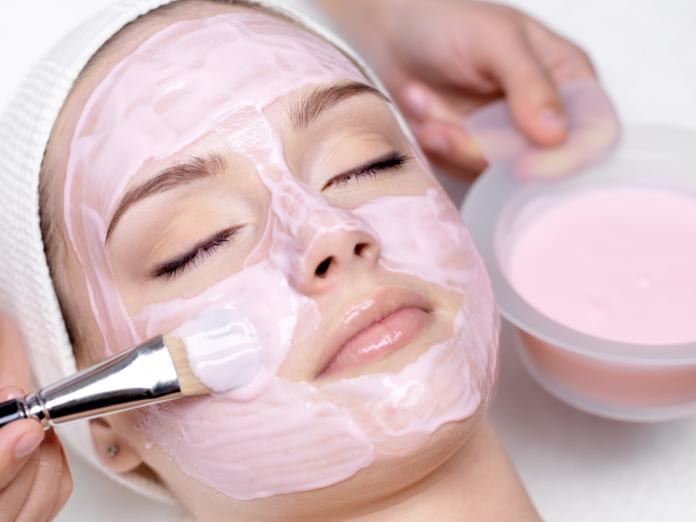 Gesichtsbehandlung, Kosmetikstudio Bellissima, Maske